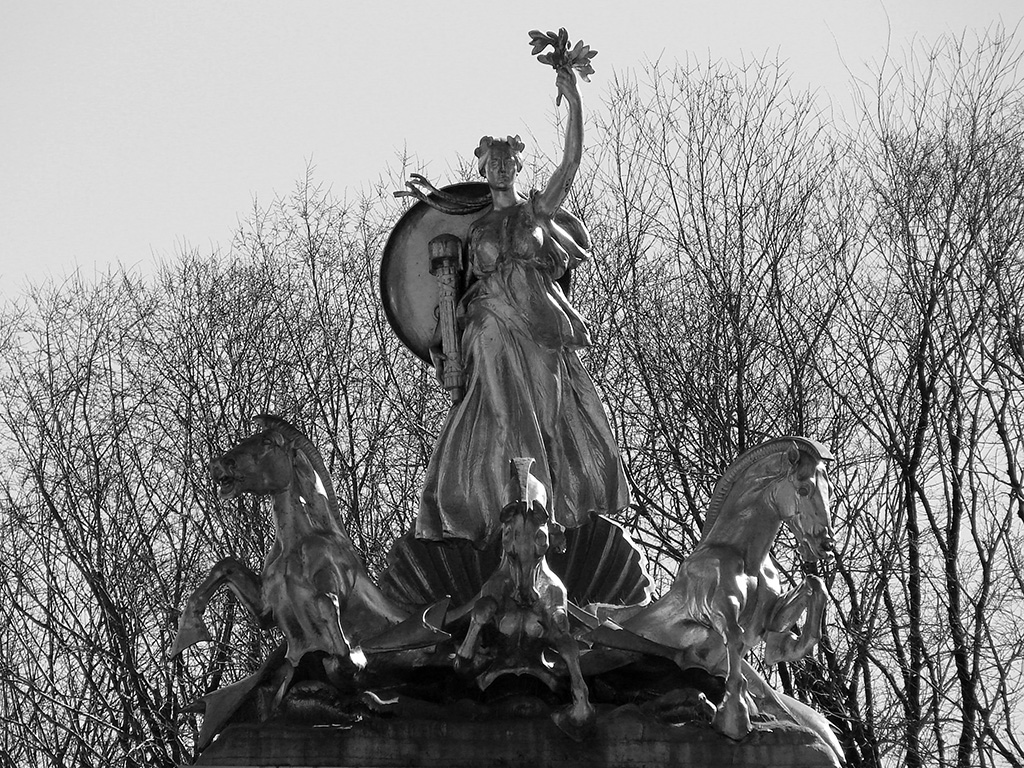 Columbia Sculpture by Attilio Picarelli. 1913